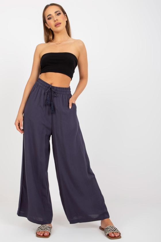Žalios spalvos medvilninė laisvalaikio suknelė su gobtuvu