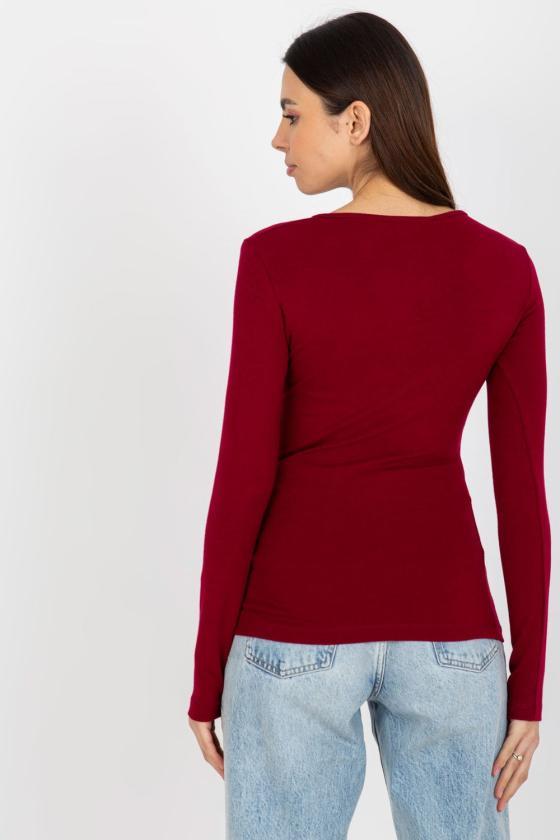 Juodos spalvos suknelė dekoruota kutais_136747