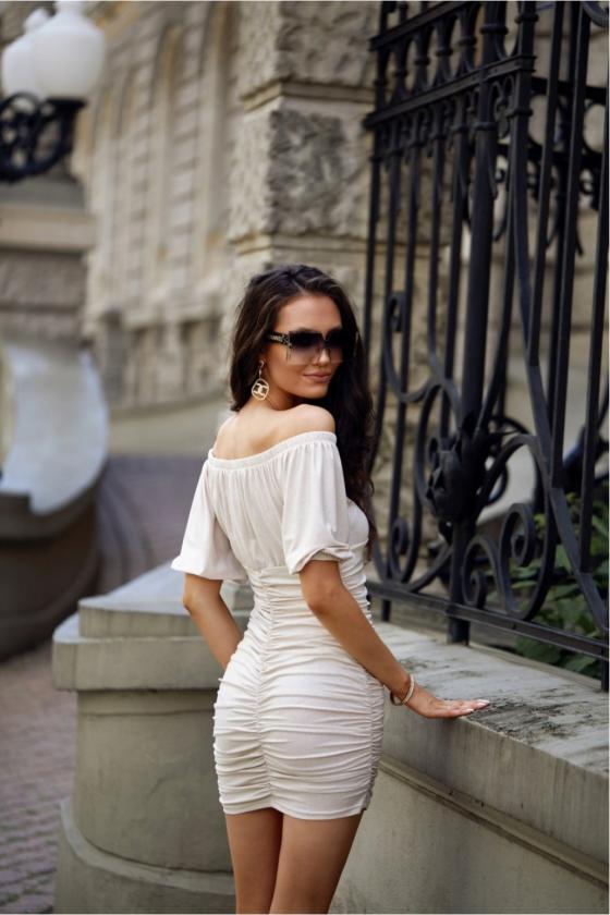 Oranžinės spalvos minimalistinė suknelė su sagutėmis_137176