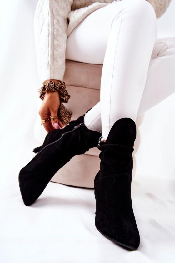 Bordinės spalvos šilta dryžuota midi suknelė