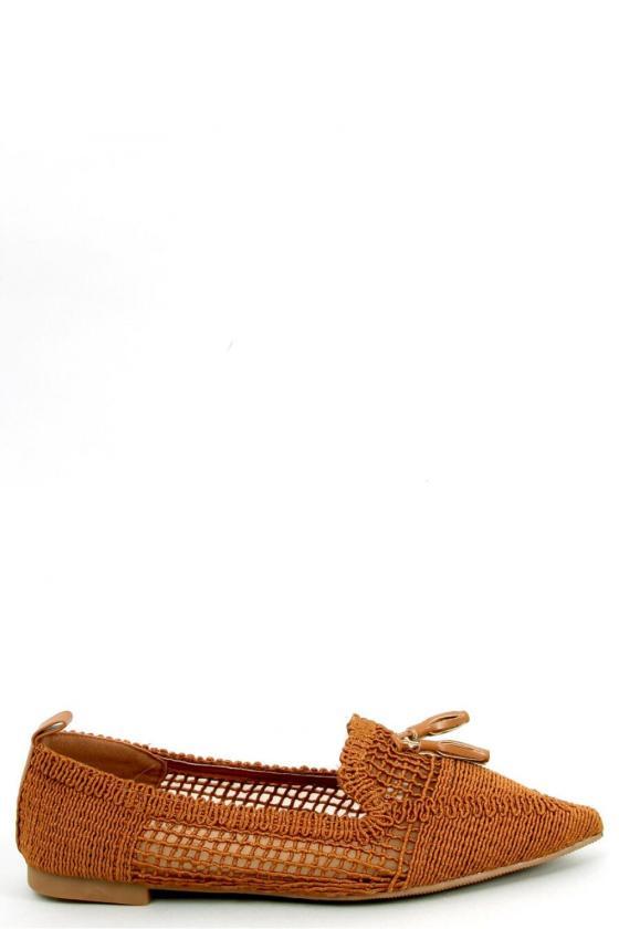 Juodos spalvos midi suknelė iškirptais pečiais