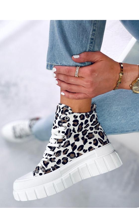 Juodos spalvos suknelė su dekoratyvia nugara_139596