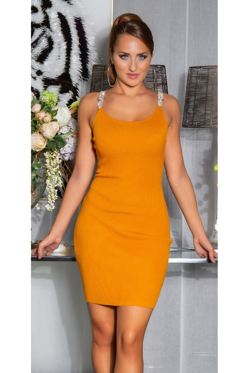 Geltonos spalvos suknelė dekoratyviomis rankovėmis