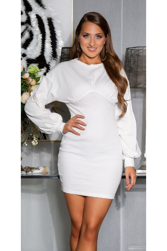 Balta laisvalaikio suknelė