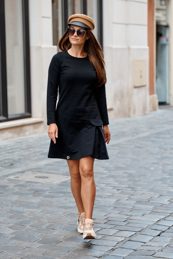 Juodos spalvos laisvalaikio suknelė L346