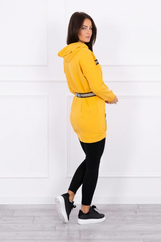 Geltonos spalvos sportinio stiliaus tunika su dirželiu ir gobtuvu_149517