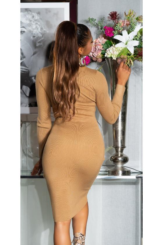 Rausvos spalvos trumpa suknelė su kauke_152898