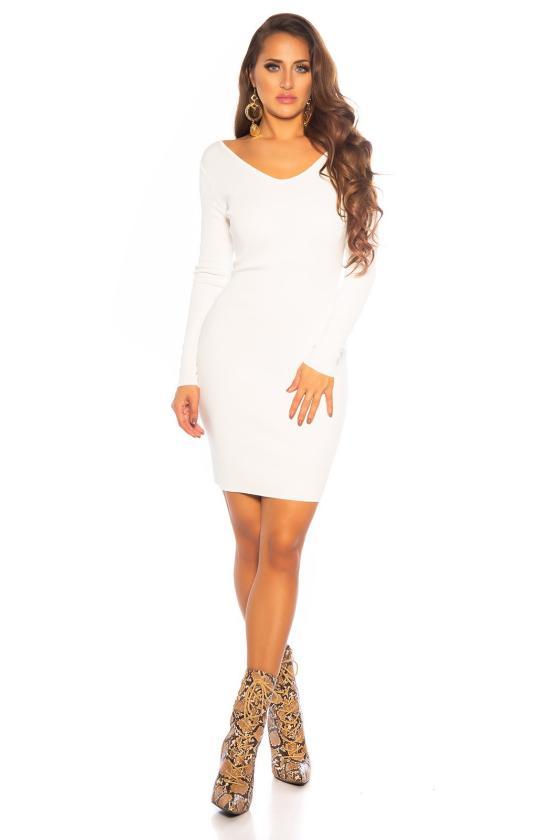 Raudonos spalvos beretė su bumbulu