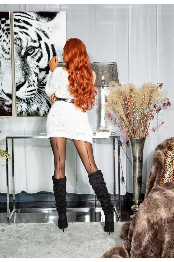 Raudonos spalvos beretė su bumbulu_153916