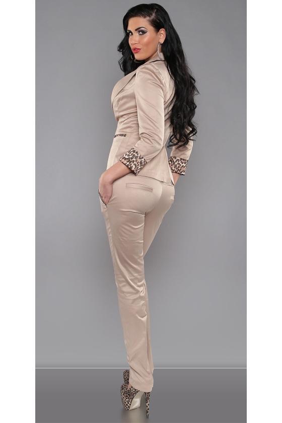 """Juoda """"skater"""" stiliaus suknelė su širdies formos iškirpte_154085"""