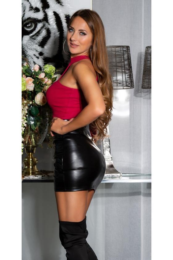 """Juoda """"skater"""" stiliaus suknelė su širdies formos iškirpte"""