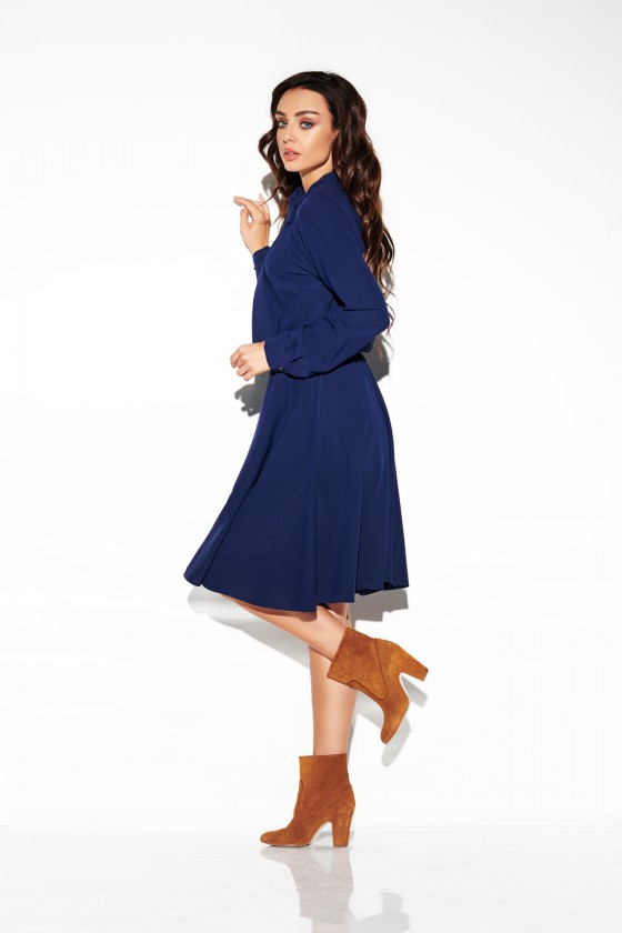 Klasikinė tamsiai mėlyna suknelė iki kelių_154168