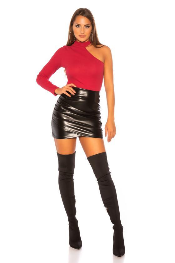 Elegantiška juoda suknelė su sagomis