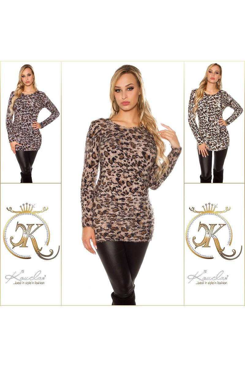 Mėlynos spalvos blizgi suknelė dekoruota tiuliu_155896