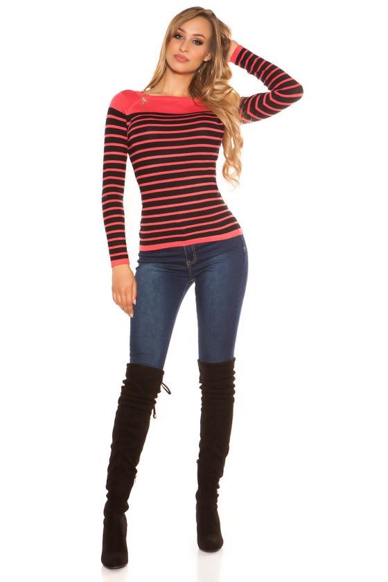 Laisvo modelio mėlyna suknelė dekoruota gėlėmis_156136
