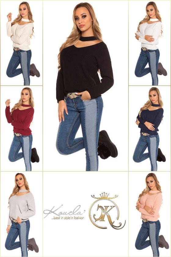 Juodos spalvos veliūrinė suknelė CARMEN
