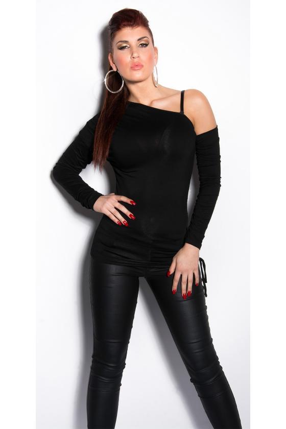 Raudonos spalvos mini suknelė