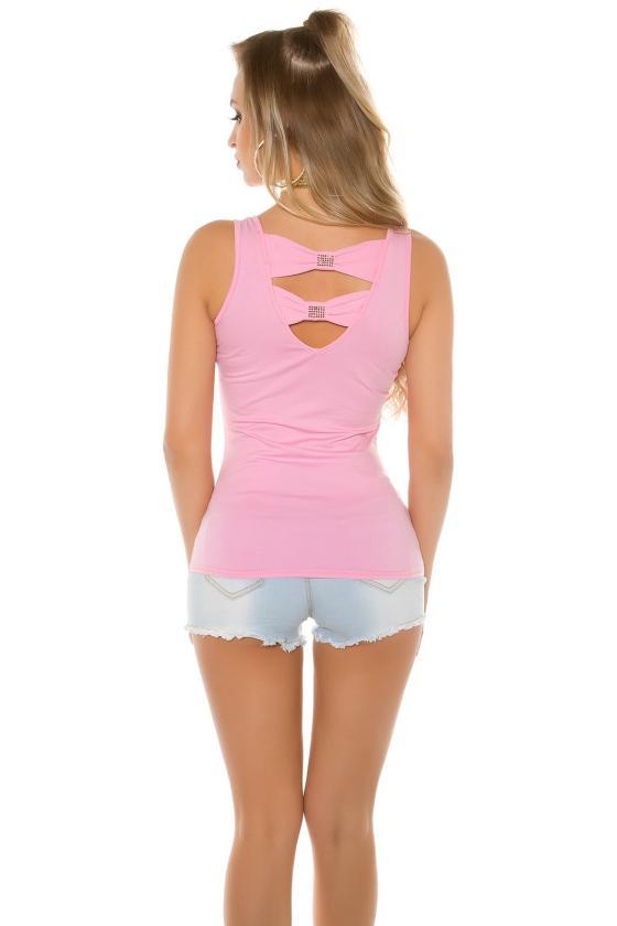 Smėlio spalvos megzta suknelė atvirais pečiais