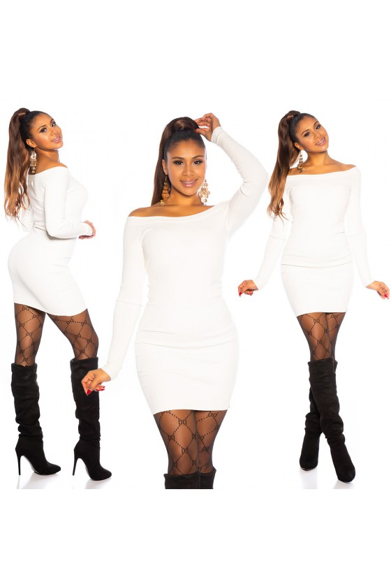 Baltos spalvos megzta suknelė atvirais pečiais_171166