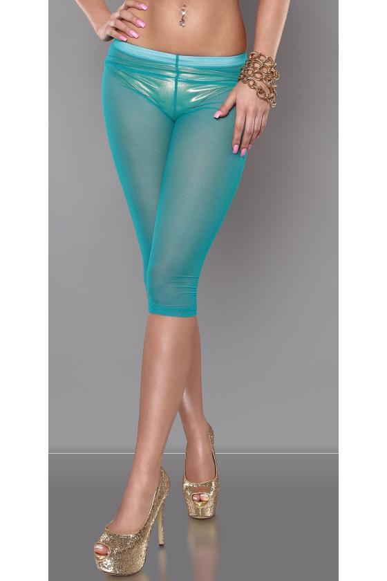 Raudonos spalvos megzta suknelė atvirais pečiais