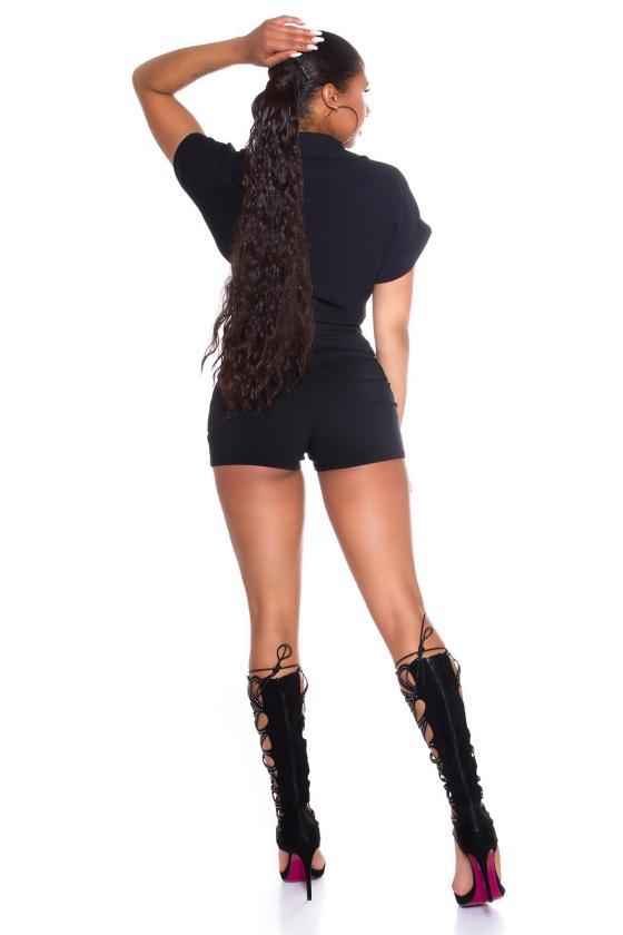 Žydros spalvos suknelė atvirais pečiais