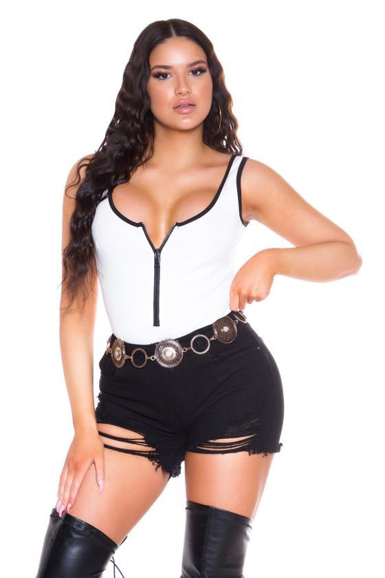 Mėlynos spalvos suknelė atvirais pečiais