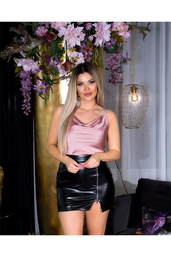 Baltos spalvos dviejų dalių komplektas su šortais