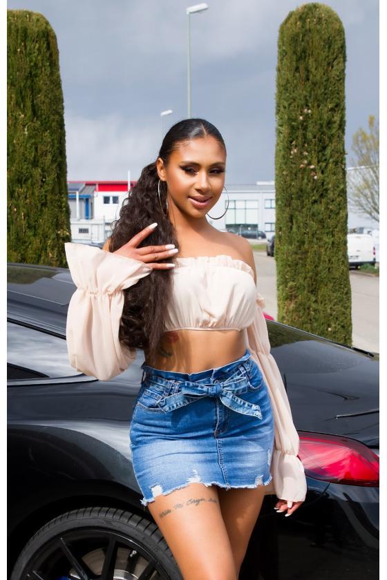 Baltos spalvos suknelė atvirais pečiais_176260