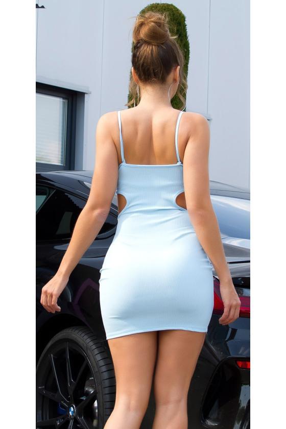 Rausvos spalvos suknelė atvirais pečiais_176271