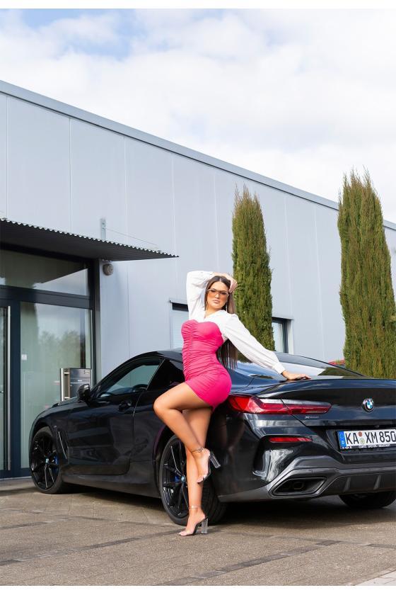 Rausvos spalvos suknelė atvirais pečiais_176272