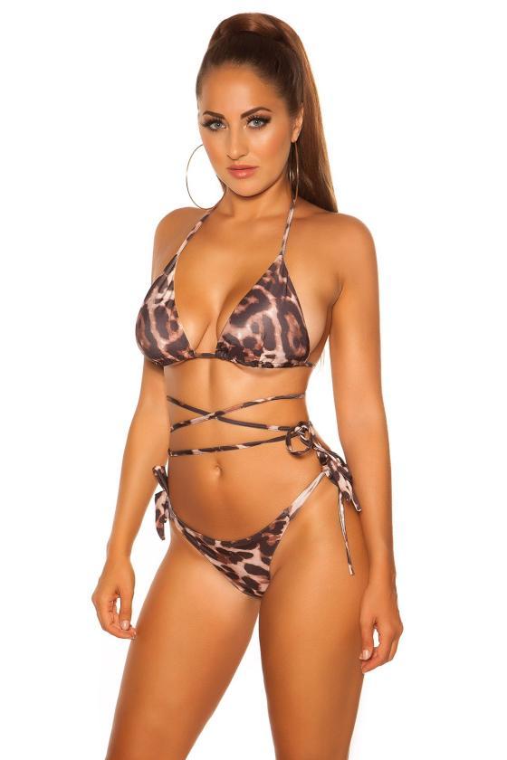 Rožinės spalvos suknelė pūstais pečiais