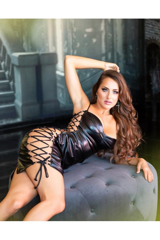 """Žalia """"skater"""" stiliaus suknelė su širdies formos iškirpte"""