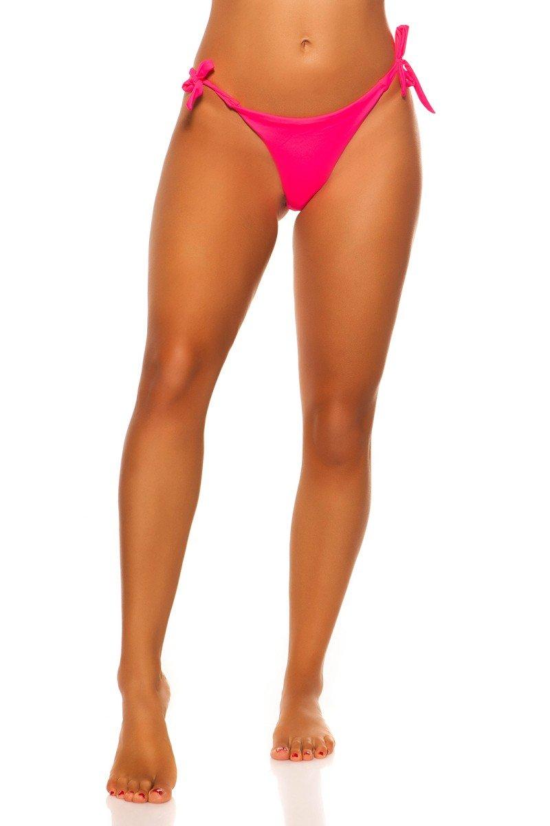 Žalios spalvos megztas kostiumas