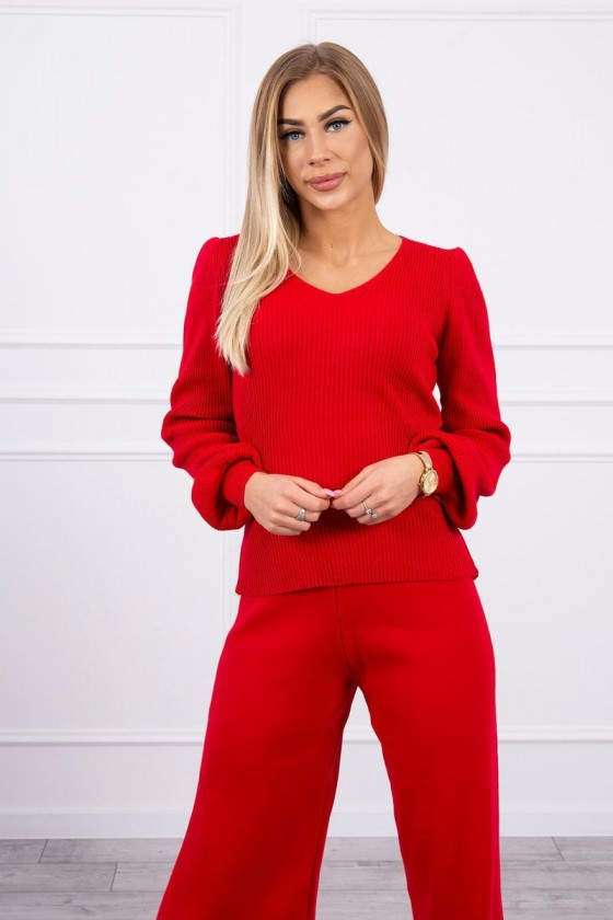 Raudonos spalvos megztas kostiumas_180377