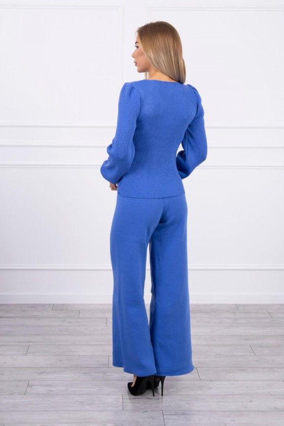 Mėlynos spalvos megztas kostiumas_180381