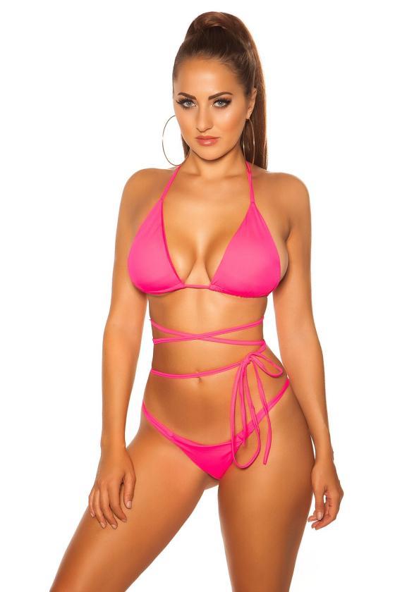 Mėlynos spalvos megztas kostiumas