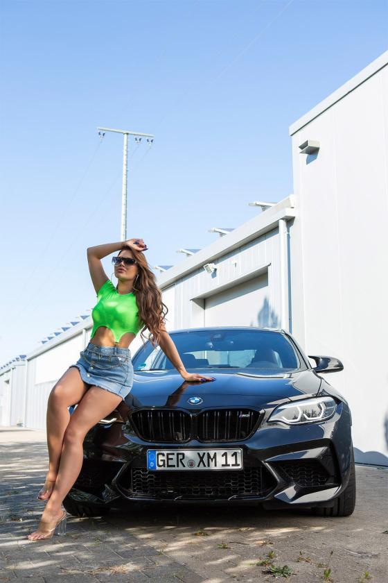 Mėlynos spalvos oversize modelio apsiaustas_180553
