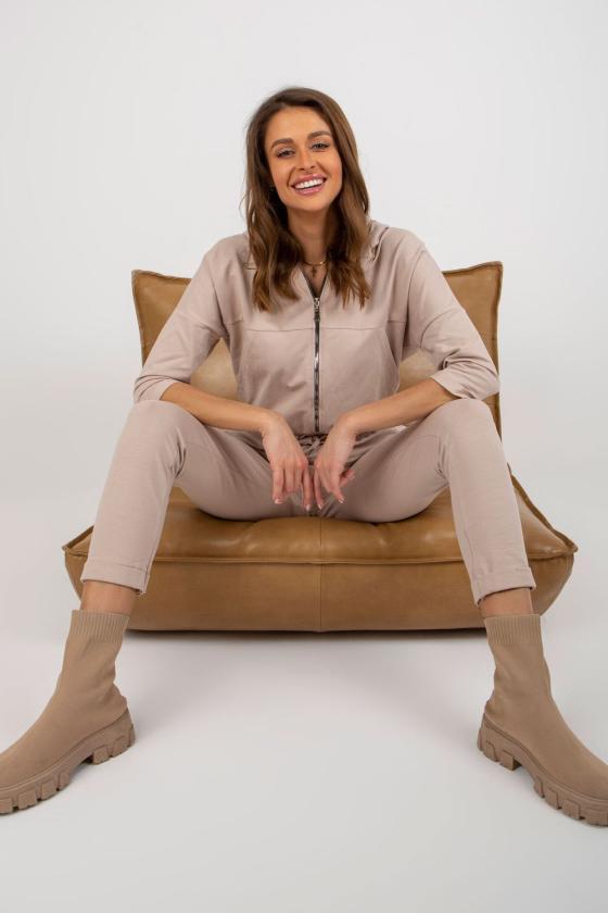 Rožinės spalvos suknelė su V formos iškirpte_182058