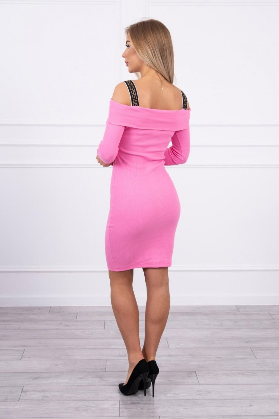 Rožinės spalvos suknelė atvirais pečiais_182063