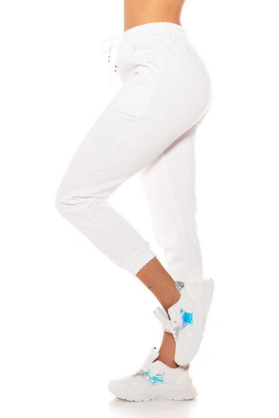Elastinga rožinės spalvos suknelė dekoruota sagomis