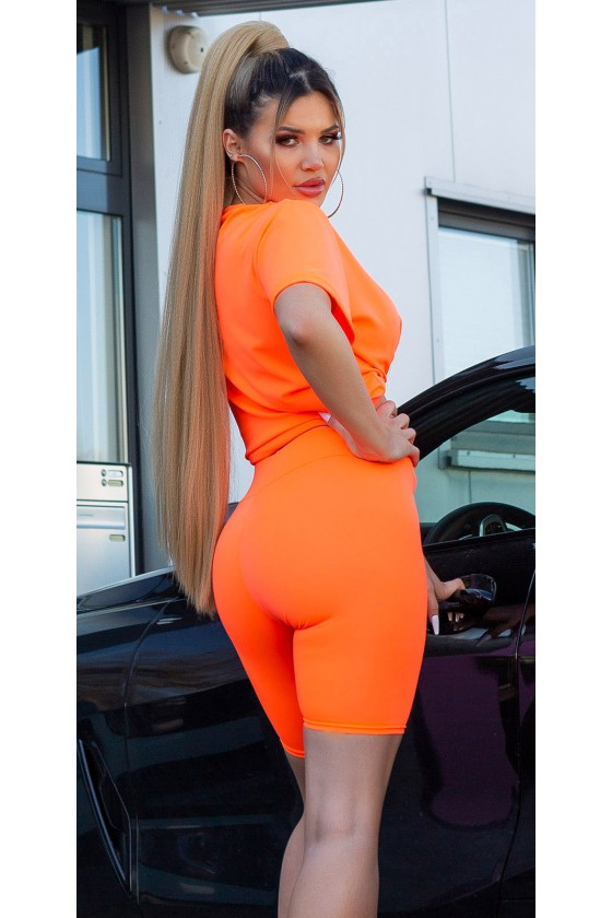 Oranžinės spalvos laisvalaikio kostiumas_187294