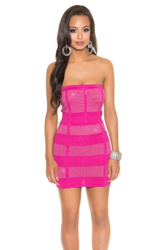 Baltos spalvos aptempta suknelė atvirais pečiais_188408