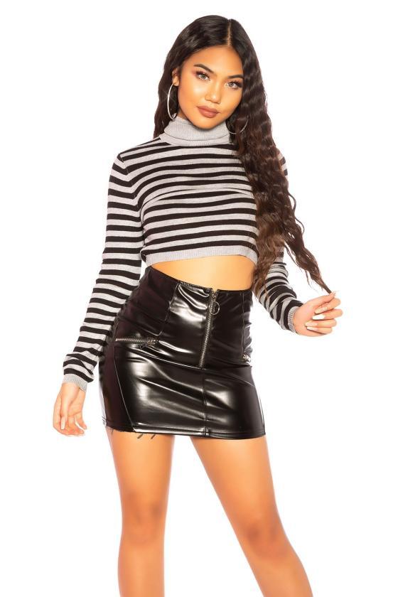 Violetinės spalvos ilga vakarinė suknelė