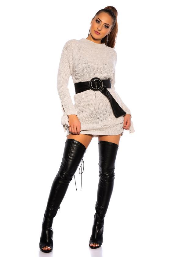 Juodos spalvos suknelė dekoruota sparnų aplikacijomis