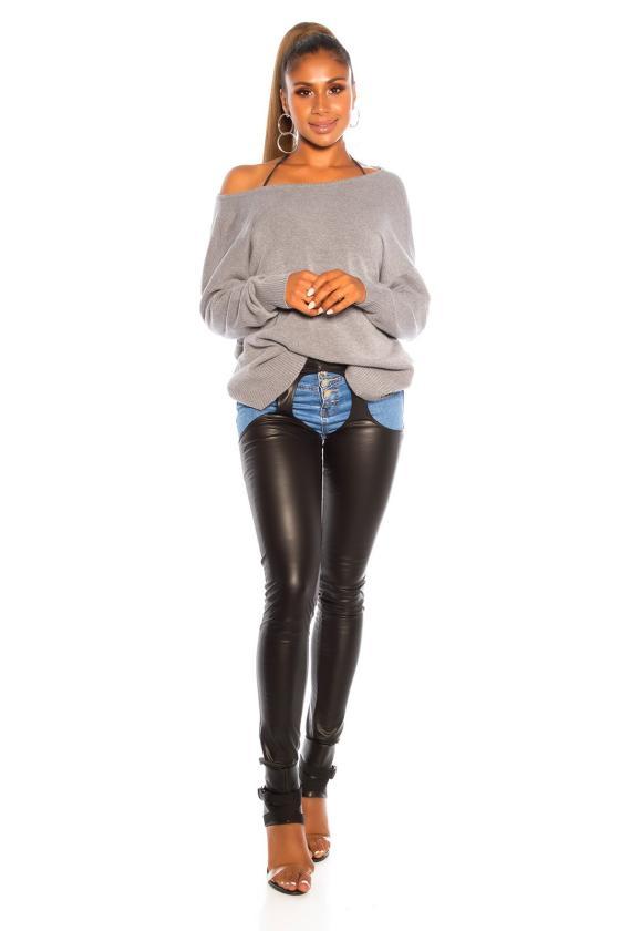 Violetinės spalvos gėlėta suknelė