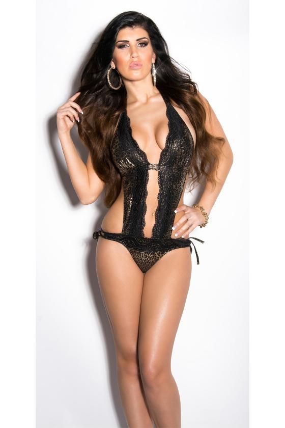 Juodos spalvos stilinga oversize suknelė