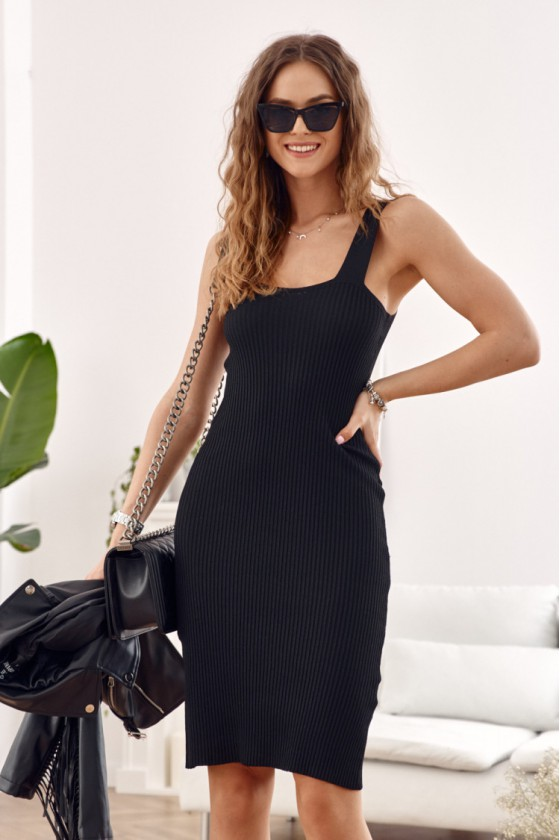 Juodos spalvos suknelė MP32875