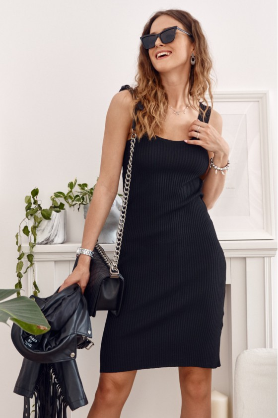Juodos spalvos suknelė MP32875_203292