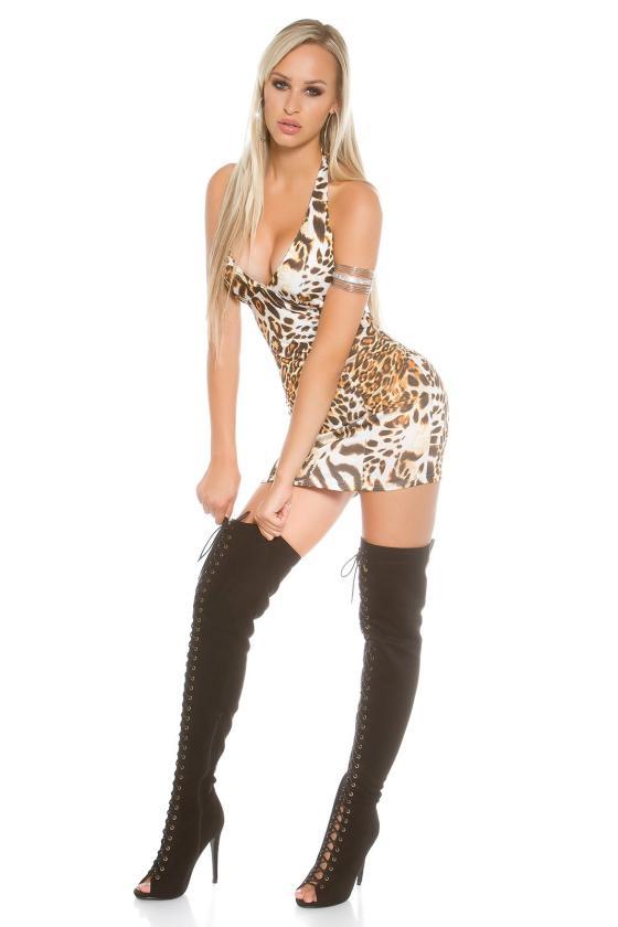 Neoninės rožinės spalvos tampri suknelė atvirais pečiais