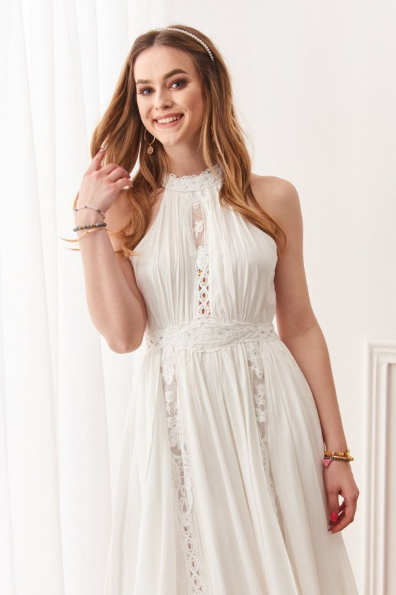 Baltos spalvos ilga suknelė 19032_204483